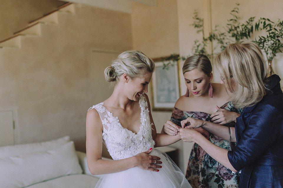 Annes - Alana van Heerden Wedding Gowns